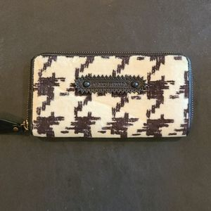 Juicy Couture Houndstooth Velour Wallet